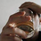Politique contre l'alcoolisme : tiraillements autour du vin